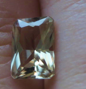 1.02 cts. Zultanite® Radiant Cut 7x5mm