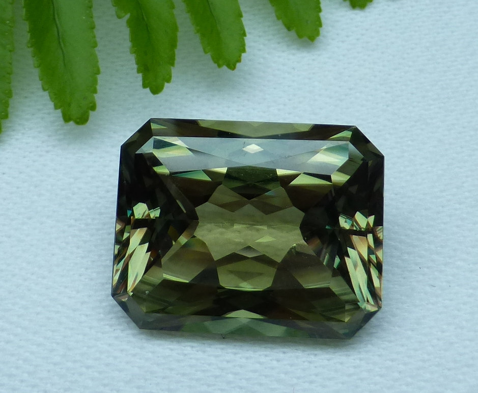 19.96 cts. Zultanite® Wobito Radiant, 19x14.6x8.5mm