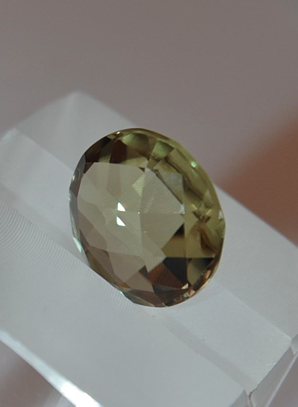 6.21 cts. Zultanite® Lentil Round Checkerboard 11.9mm