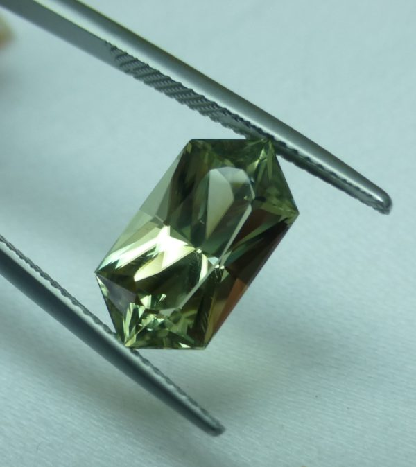 5.14 cts. Zultanite® Wobito Bowtie 15x8x6.4mm