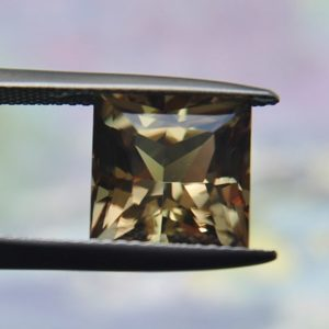 5.83 cts. Zultanite® Princess Cut 10mm